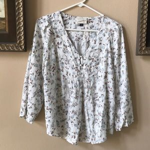 Universal Thread (Target) Blue & White Floral Top